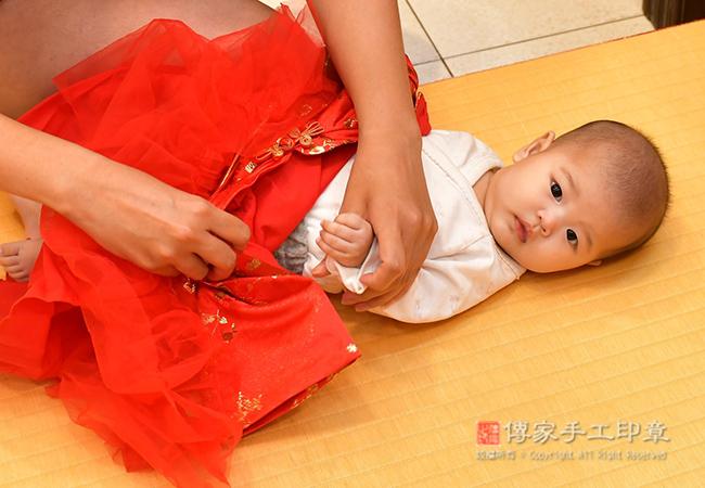 寶寶換古禮服照