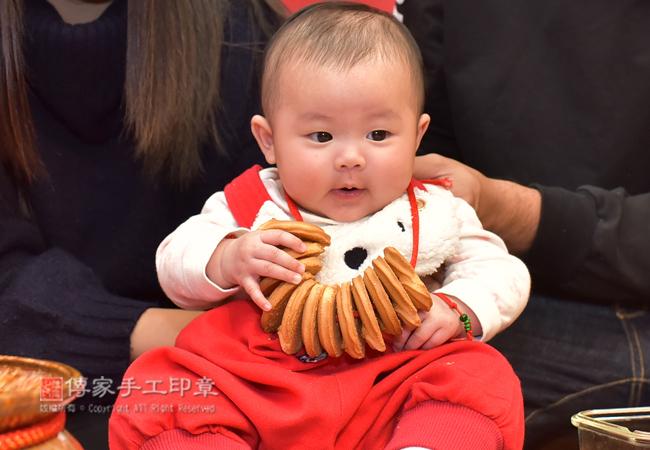 收涎儀式寶寶淨手特寫照